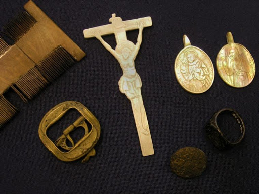 Small finds from the Queen of Sweden. These are now held in Shetland Museum & Archives. Photo: Davy Cooper.